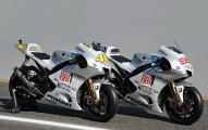 """На состязаниях гран-при в Эшториле новый FIAT Punto Evo """"примет участие"""" в мотогонках вместе с командой  FIAT Yamaha"""